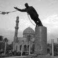 01420-saddam-statue-demolested